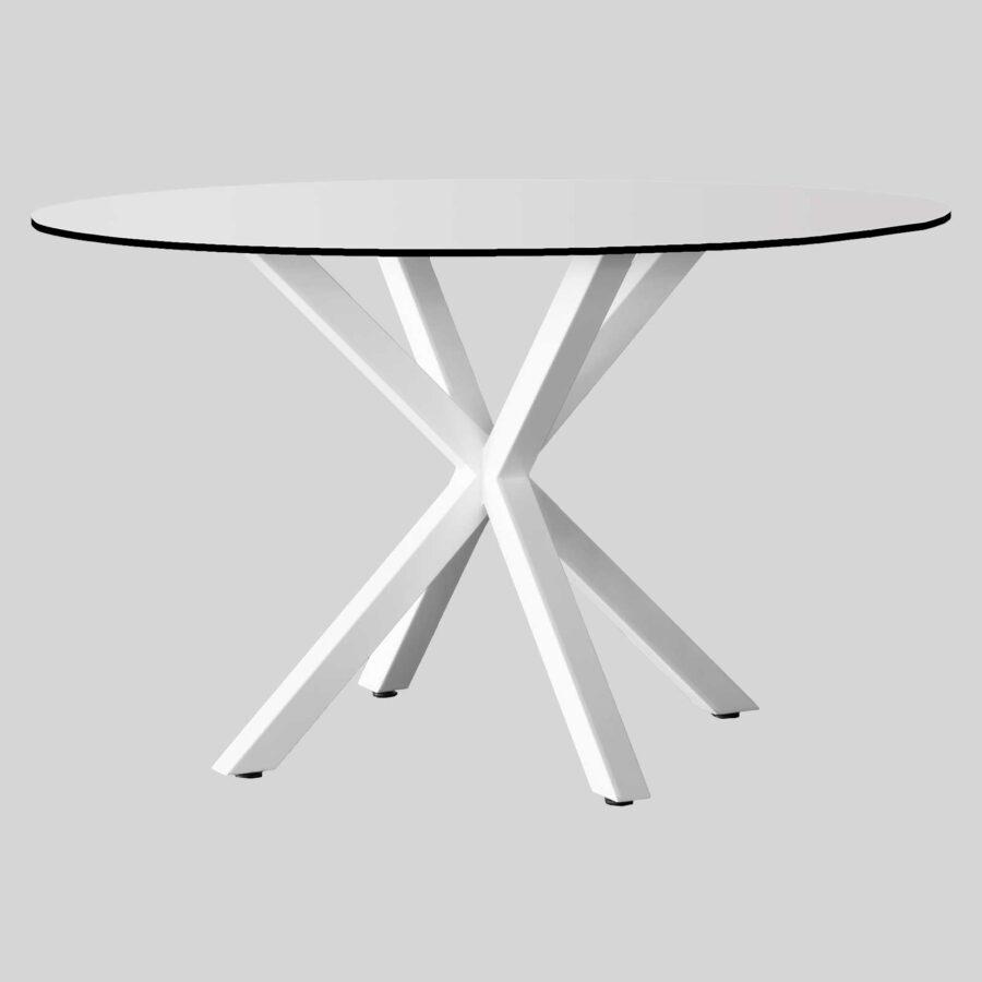 Custom dining tables for restaurants