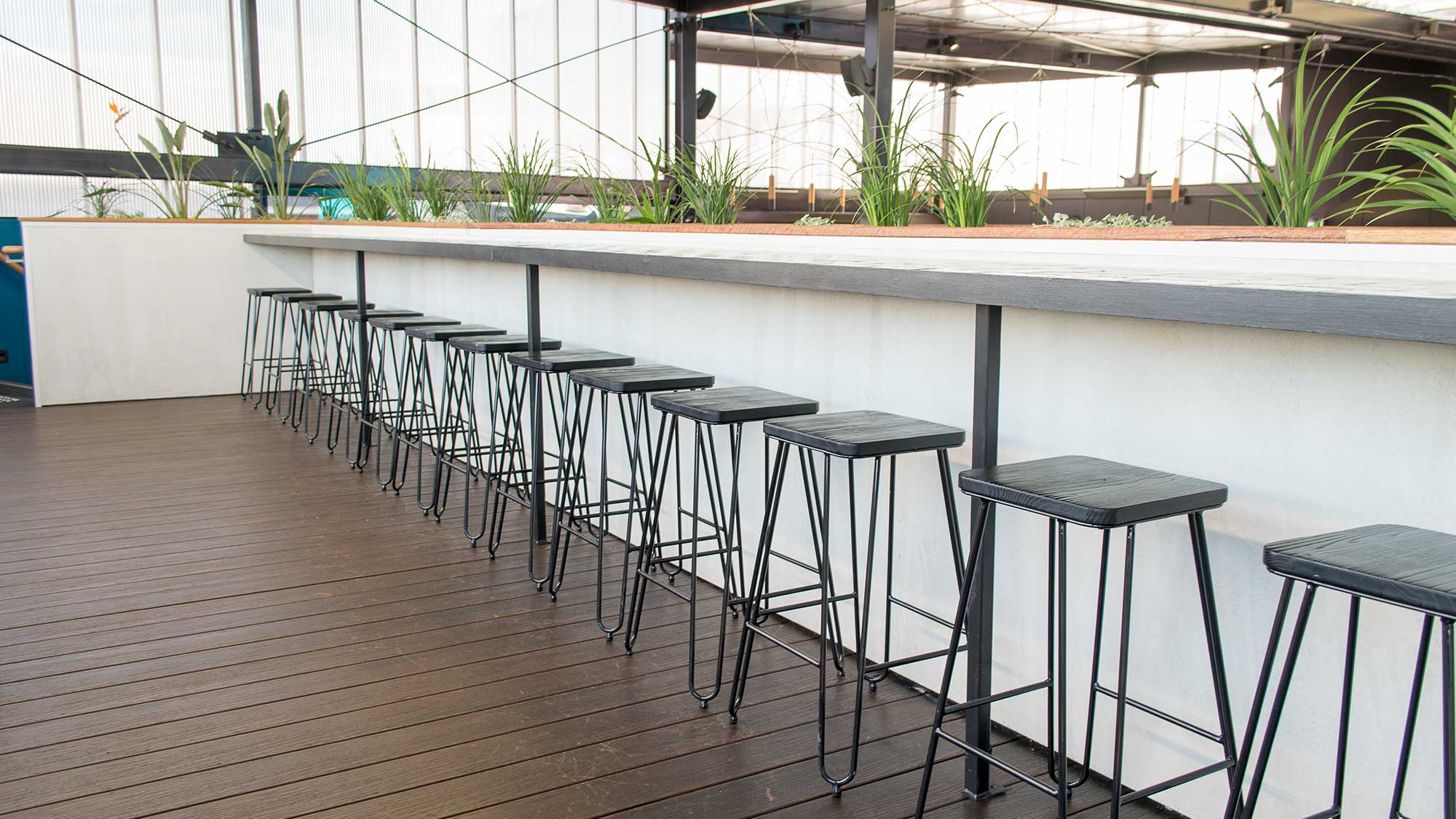 Bridgeway Hotel - Manhattan Counter Stools